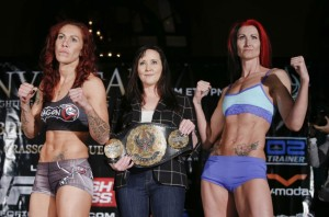 013_Cris_Cyborg_and_Charmaine_Tweet1-850x560