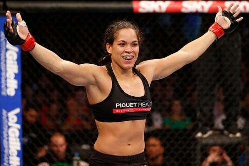 MMA-11-07b-Amanda-Nunesová