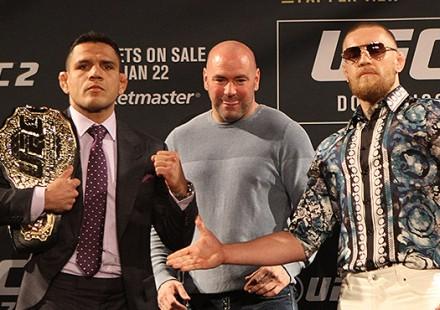Rafael-dos-Anjos-Conor-McGregor-UFC-197-02-750x370-440x310